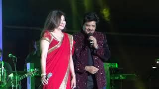 Udit Narayan Alka Yagnik Live Chand Chupa Badal Mein Best Live Performance