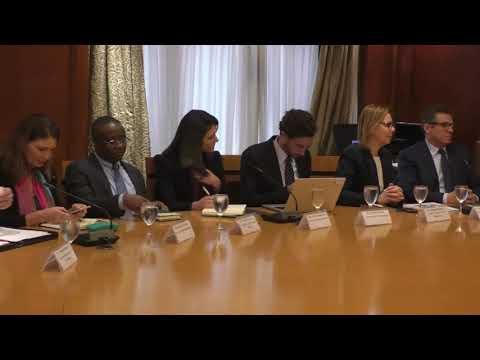 اجتماع الوزير / عمرو نصار مع وفد بنك التنمية الإفريقى