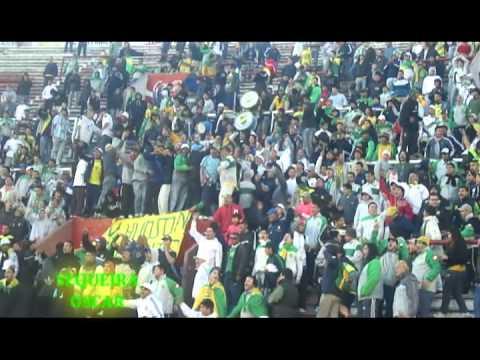 """""""Defensa y Justicia 1 - 0 Huracan (final del partido) la quema era un velorio"""" Barra: La Banda de Varela • Club: Defensa y Justicia"""