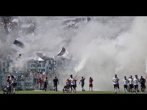 """""""Impresionante Salida de Colocolo ante Curicó  -  Garra Blanca"""" Barra: Garra Blanca • Club: Colo-Colo"""