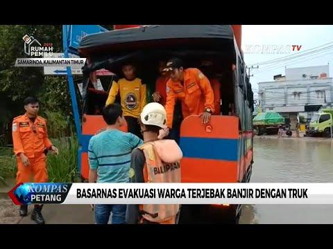 Basarnas Evakuasi Warga Terjebak Banjir di Samarinda Dengan Truk
