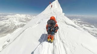 360°: Climbing Mount Everest