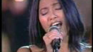 Anggun - Still Reminds Me (Vatican Concert)