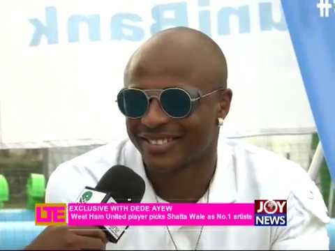 Video: Andre Ayew endorses hiplife musician Shatta Wale