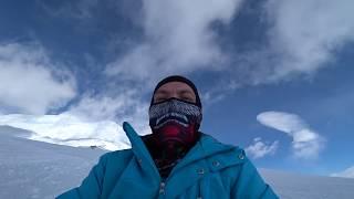 Спуск с вершины горы глиссером