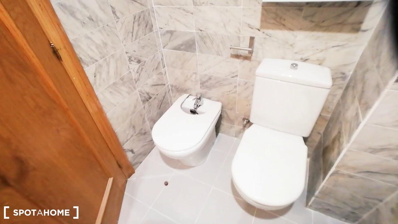 Terrific 1-bedroom apartment for rent near Universidad Pontificia Comillas in Malasaña