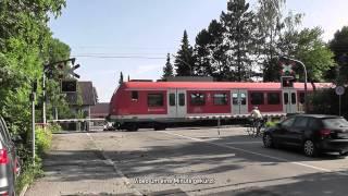 preview picture of video 'Bahnübergang Unterbiberger Straße, München ++ Wechselblinker am Auslegermast'