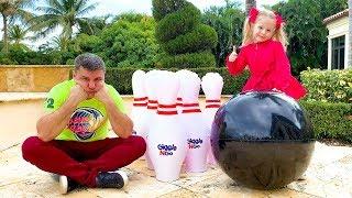 Настя и папа устроили весёлые соревнования