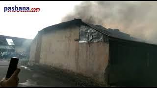 Diduga Karena Arus Pendek, 12 Rumah di Asrama Brimob Silaing Bawah Dilalap Si Jago Merah