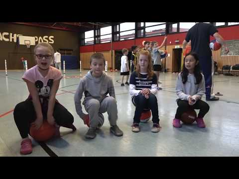 Kinder Reporter Basketball Akademie