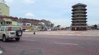 preview picture of video 'Leaning Tower of Teluk Intan'