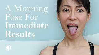 Do This Face Yoga Pose First Thing in The Morning for Immediate Results