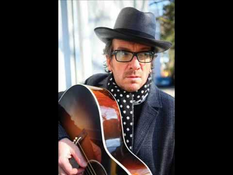 , title : 'Elvis costello - My mood swings'