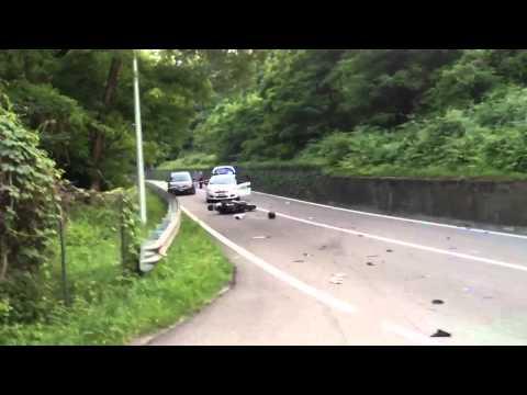 Incidente frontale auto moto, muore il centauro