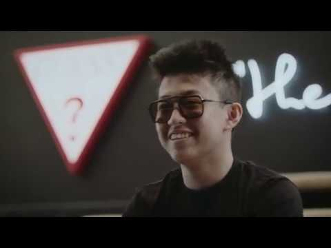 mp4 Rich Brian Fashion, download Rich Brian Fashion video klip Rich Brian Fashion