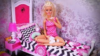 Przygody Barbie #19 * CHORA BARBIE - SPOSÓB NA PRZEZIĘBIENIE * Bajka po polsku z lalkami
