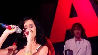 Кэти Перри, Кэти Перри (Katy Perry) расплакалась на концерте (Radio 1 Teen Awards 2010)