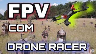 Drone racer no cemitério FPV
