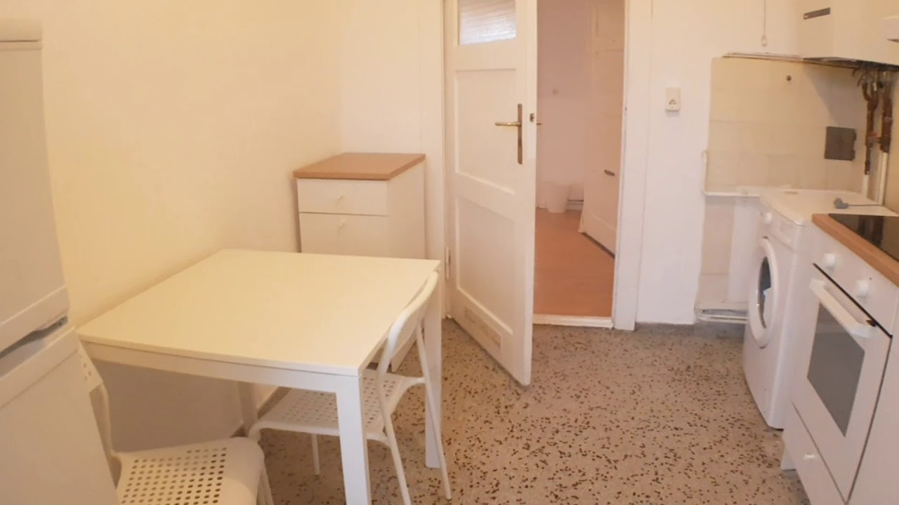 Single Bed in Spacious rooms for rent in charming flatshare with balcony in Neukölln