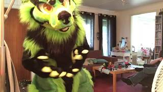 Fursuit unboxing and suit up of Yeyin