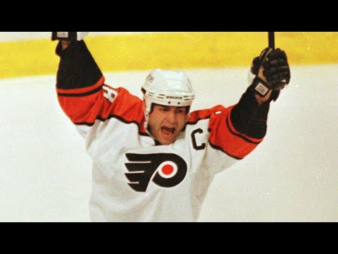 Eric Lindros' jersey retirement somewhat a surprise after rocky time with Flyers