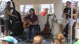 JBT Busk - Somethings Gotta Give (2006-12-03)