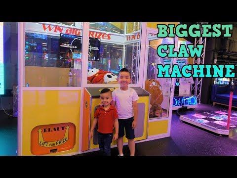 GIANT CLAW Machines Arcade Games Family Fun Amusement Timezone CKN Toys