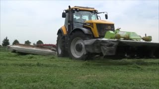 JCB Fastrac 8250 Lely And Claas Mowers
