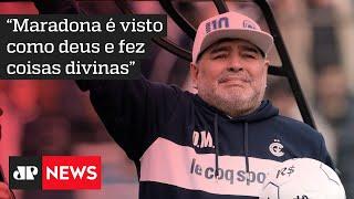 Mundo do futebol e fãs prestam reverência à Diego Armando Maradona