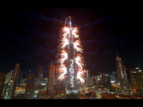 Video: Dubái recibe el Año Nuevo 2021 con un espectáculo fuegos artificiales