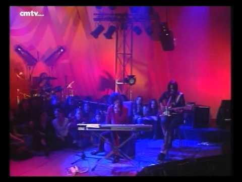 Charly García video Me tiré por vos - CM Vivo agosto 2002