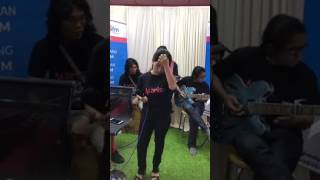 Shaa Di Manis FM Live Pertama Kali Dan Buat Insan Tersayang(Duet Bersama Eddie Hamid)
