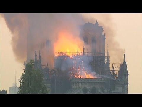 Colapso aguja Catedral de Notre Dame