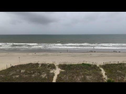 Carolinas brace for storm surge as Isaias nears