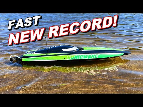YOU WON'T BELIEVE THE SIZE of this HUGE BRUSHLESS 6S RC BOAT!! - Pro Boat Sonicwake - TheRcSaylors