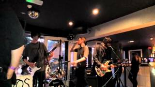Asbestos Popcorn - Pringle Pronger (Live at Suede, Heswall 18/10/14)