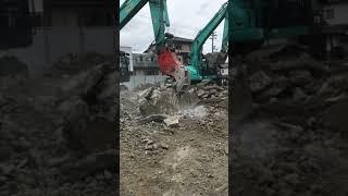 広島市内解体工事、えっ?そんなにお腹すいたの?