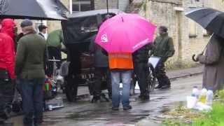 25.04.2014 - Tournage (rues de Bampton - Allen Leech et Daisy Lewis)
