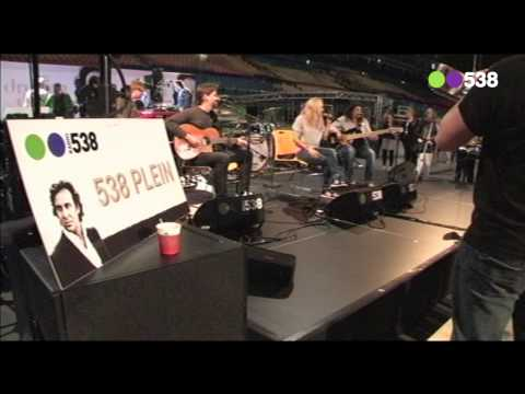 Radio 538: Krystl - Rolling (live bij Evers Staat Op)