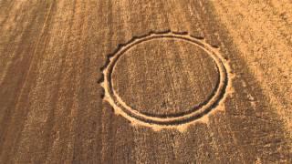 preview picture of video 'Eccezionale ritrovamento di cerchi nei campi a Cisterna di Latina !!! messaggi Alieni!???'