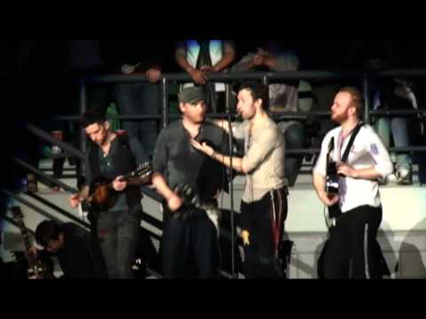 Coldplay - Death Will Never Conquer (Acoustic in the crowd)- Live In Melbourne (HD) Multi Angle