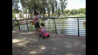 preview picture of video 'הפארק הלאומי ברמת גן. אפריל 2012 - The National Park in Ramat Gan'