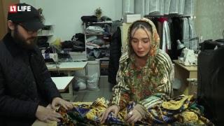 """Шьет куртки из """"бабушкиных"""" ковров"""