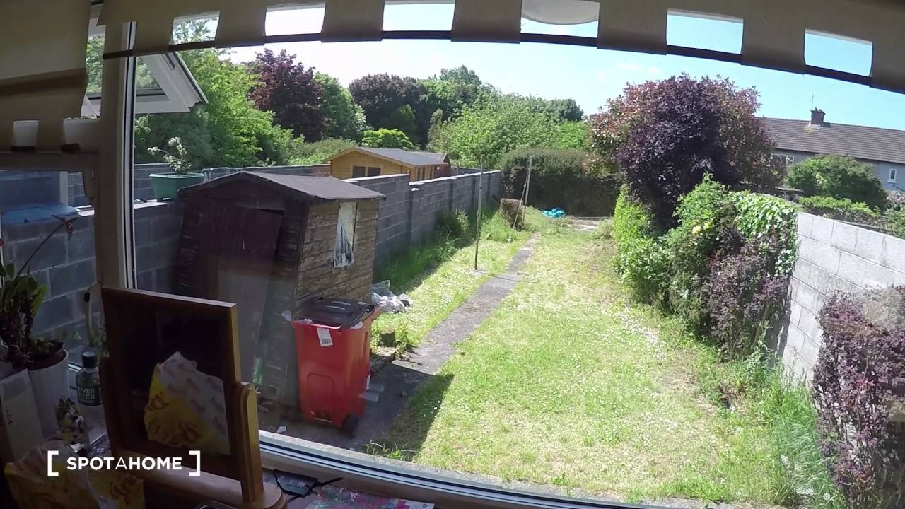 Rooms to rent in 3-bedroom houseshare with garden  - Glasnevin