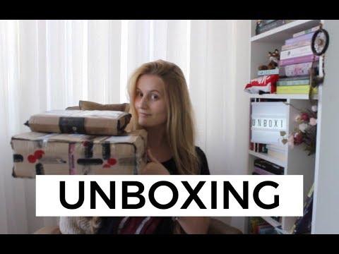UNBOXING INTRÍNSECA + DARKSIDE BOOKS | Laura Brand