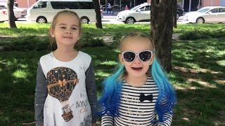 ВЛОГ Алина заболела Едем в больницу Алина и Юляшка идут в гости к малышу Покупаем одежду