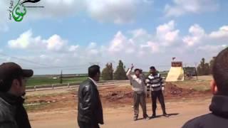 preview picture of video 'مدينة #نوى لحظة اجتياز ثوار نوى لجسر ازرع اثناء الفزعة لتشييع الشهداء 23.04.2011'
