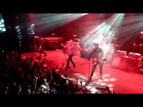 Dead By Sunrise - ''Let Down''  (Live In Amsterdam 2010) HD