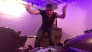 722 - Folding Clothes & Dancing Like An Idiot