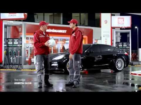 Das Benzin für den Toyota ist